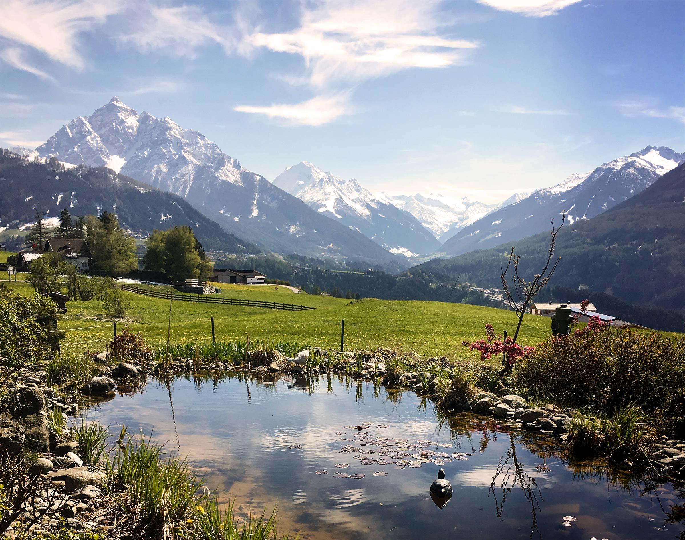 Innsbruck Surrounds Main