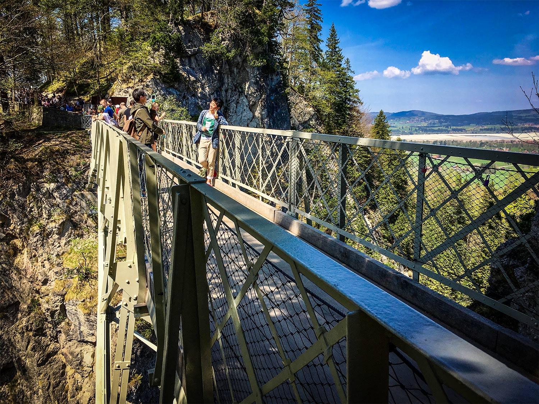 how to get to neuschwanstein castle from innsbruck